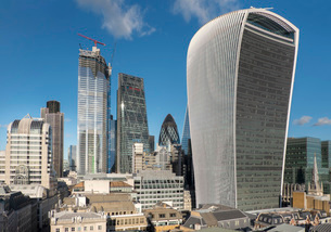 City of London from Monument with Walkie Talkie building in foreground, London, England, United Kingの写真素材 [FYI03798490]