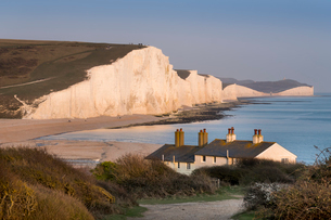 Seven Sisters chalk cliffs, South Downs National Park, East Sussex, England, United Kingdom, Europeの写真素材 [FYI03798501]