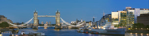 Panorama with Tower Bridge and HMS Belfast, London, England, United Kingdom, Europeの写真素材 [FYI03798504]