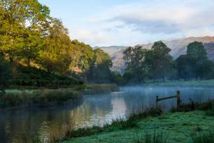Elter Water lake in Lake District, England, Europeの写真素材 [FYI03798976]