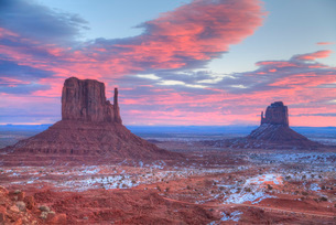 SuNoise, West Mitten Butte on left and East Mitten Butte on right, Monument Valley Navajo Tribal Parの写真素材 [FYI03799092]