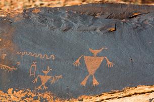 Duckhead Man Petroglyph, Bears Ears National Monument, Utah, United States of America, North Americaの写真素材 [FYI03799114]