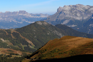 Landscape of the French Alps in summer, Aravis and Fiz mountains, Haute-Savoie, France, Europeの写真素材 [FYI03799178]