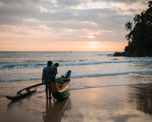 Talalla Beach at dawn, South Coast, Sri Lanka, Asiaの写真素材 [FYI03799778]
