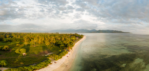 Beach at sunset, Gili Air, Gili Islands, Lombok Region, Indonesia, Southeast Asia, Asiaの写真素材 [FYI03799801]