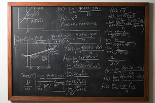 Calculus on blackboardの写真素材 [FYI03799985]