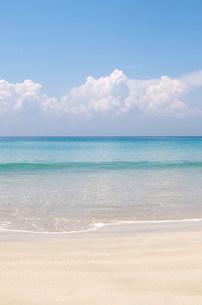 Tranquil beach sceneの写真素材 [FYI03801394]