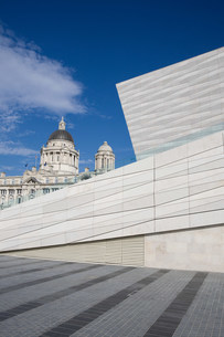 Museum of Liverpool and Port of Liverpool Building, Liverpooの写真素材 [FYI03801424]