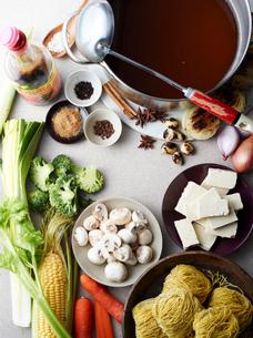 Still life of hu tieu mi di, raw ingredients for vietnamese mealの写真素材 [FYI03802585]