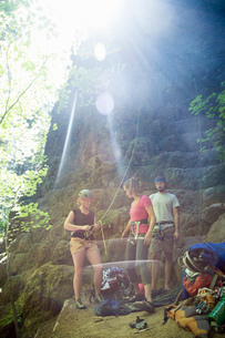 Friends rock climbing, French's Dome, Zig Zag, Oregon, USAの写真素材 [FYI03803858]