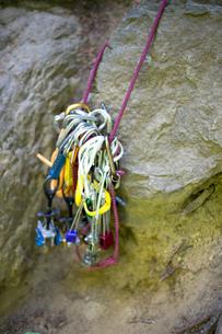 Rock climbing equipment, French's Dome, Zig Zag, Oregon, USAの写真素材 [FYI03803859]