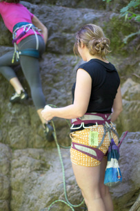 Friends rock climbing, French's Dome, Zig Zag, Oregon, USAの写真素材 [FYI03803863]