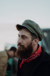 Bearded man in cap and neckerchiefの写真素材 [FYI03807300]