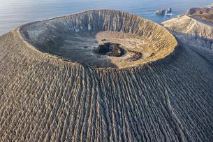 Volcanic crater and texture of San Benedicto Island, Punta Baja, Baja California, Mexicoの写真素材 [FYI03807681]