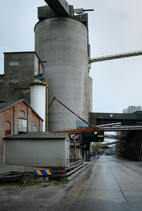Public road runs through vast cement factory, Slite, Gotlands Lan, Swedenの写真素材 [FYI03807731]
