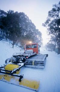 Snow clearing tractor Mt. Baw Baw Victoria Australiaの写真素材 [FYI03807807]