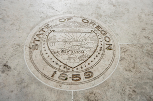 Seal of Oregon in Fort Bonifacio, Manila, Philippinesの写真素材 [FYI03808011]