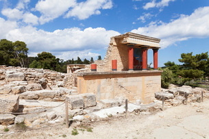 Minoan Palace, Palace of Knossos, North Entrance, Iraklion (Heraklion) (Iraklio), Crete, Greek Islanの写真素材 [FYI03811560]