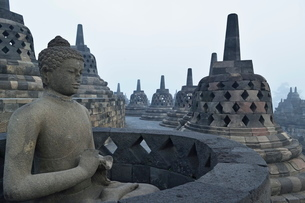 Borobodur, Kedu Plain, Java, Indonesia, Southeast Asiaの写真素材 [FYI03811712]