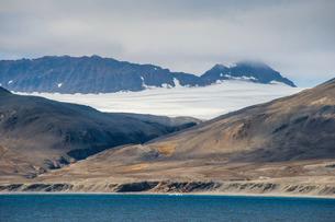 Huge glacier on Alkhornet, Svalbard, Arcticの写真素材 [FYI03812189]