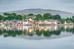 Kinvara, County Galway, Connacht province, Republic of Ireland, Europeの写真素材 [FYI03812325]
