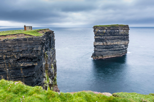 Downpatrick Head, Ballycastle, County Mayo, Connacht province, Republic of Ireland, Europeの写真素材 [FYI03812335]
