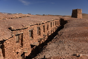 Berber granary, Agadir Tashelhit, in the form of a fortress, Anti-Atlas mountains, Morocco, North Afの写真素材 [FYI03812841]