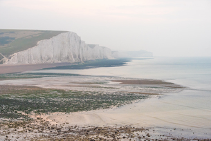 Seven Sisters chalk cliffs, Cuckmere Haven, South Downs National Park, East Sussex, England, Unitedの写真素材 [FYI03812846]