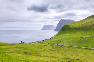 Coastal village of Trollanes, Kalsoy Island, Faroe Islands, Denmark, Europeの写真素材 [FYI03812896]