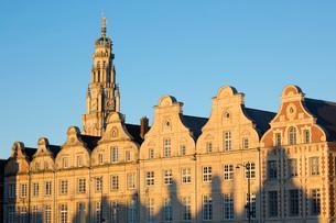 Flemish style facades on Grand Place, Arras, Pas-de-Calais, Hauts-de-France region, France, Europeの写真素材 [FYI03812909]