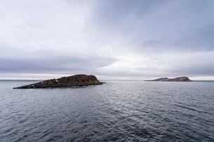 Moody lights over Cape Trieste, Franz Josef Land archipelago, Arkhangelsk Oblast, Arctic, Russia, Euの写真素材 [FYI03813144]
