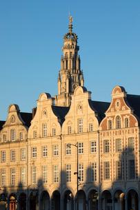Flemish style facades on Grand Place, Arras, Pas-de-Calais, Hauts-de-France region, France, Europeの写真素材 [FYI03813253]