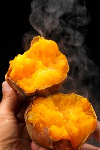 安納芋・焼き芋の写真素材 [FYI03813469]