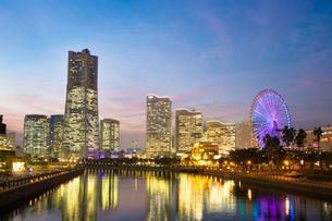 横浜みなとみらい・夕景の写真素材 [FYI03813475]