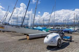 スイス、ジュネーブ、レマン湖の風景の写真素材 [FYI03813726]
