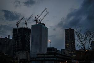 横浜・みなとみらいの都市開発風景(2018年11月)の写真素材 [FYI03813886]