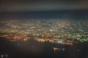 飛行機から見える横浜の夜景の写真素材 [FYI03813936]