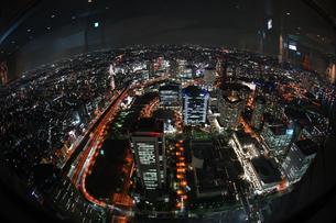 横浜ランドマークタワーから見える夜景の写真素材 [FYI03814025]