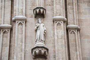 パルマ大聖堂「聖人の彫刻」:マヨルカ島の写真素材 [FYI03814321]