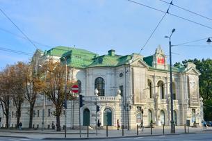 ラトビア・首都リガ旧市街にあるラトビア国立劇場の写真素材 [FYI03814669]