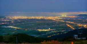 北海道 自然 風景 パノラマ きじひき高原より北斗市街遠望 (夕景)の写真素材 [FYI03814804]