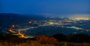 北海道 自然 風景 パノラマ きじひき高原より北斗市街遠望 (夕景)の写真素材 [FYI03814811]