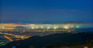 北海道 自然 風景 パノラマ きじひき高原より北斗市街遠望 (夕景)の写真素材 [FYI03814820]