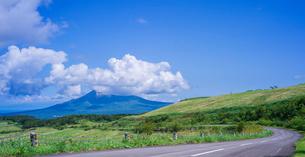北海道 自然 風景 パノラマ きじひき公園 (噴火湾眺望台) より駒ヶ岳方面遠望 の写真素材 [FYI03814835]