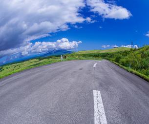 北海道 自然 風景 きじひき公園 (噴火湾眺望台) より駒ヶ岳方面遠望 (魚眼)の写真素材 [FYI03814840]