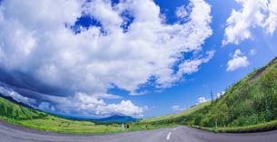 北海道 自然 風景 パノラマ きじひき公園 (噴火湾眺望台) より駒ヶ岳方面遠望 (魚眼)の写真素材 [FYI03814843]