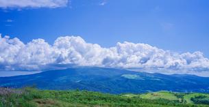 北海道 自然 風景 きじひき高原より城岱高原方面遠望の写真素材 [FYI03814845]