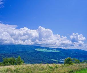 北海道 自然 風景 きじひき高原より城岱高原方面遠望の写真素材 [FYI03814852]
