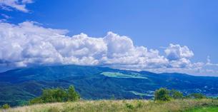 北海道 自然 風景 パノラマ きじひき高原より城岱高原方面遠望の写真素材 [FYI03814853]
