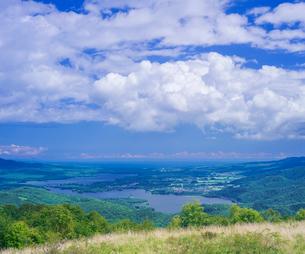 北海道 自然 風景 きじひき高原展望台より大沼方面遠望の写真素材 [FYI03814856]